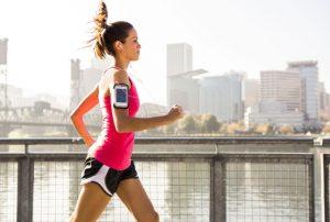 γυναίκα τρέχει δε χάνεις κιλά