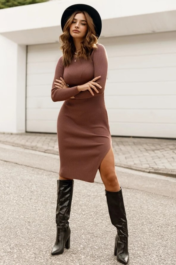 καφέ φόρεμα
