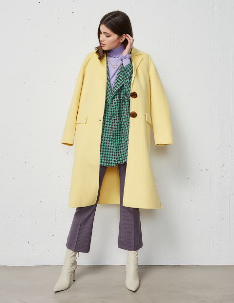 κίτρινο παλτό