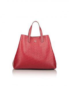 μεγάλη κόκκινη τσάντα χειρός